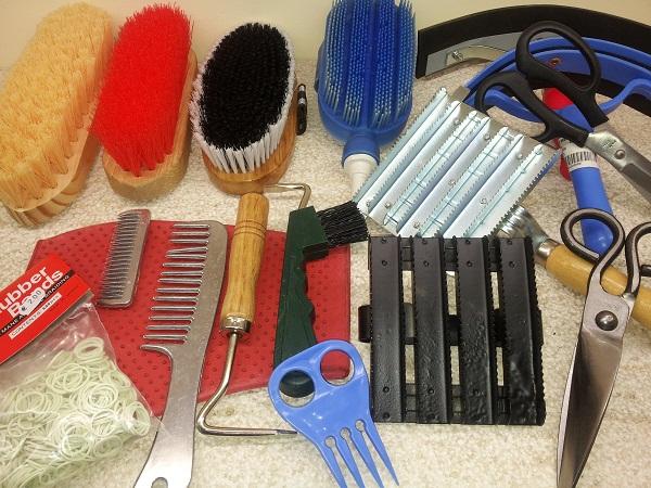 Accesorios Para La Limpieza Y Cuidados Del Caballo